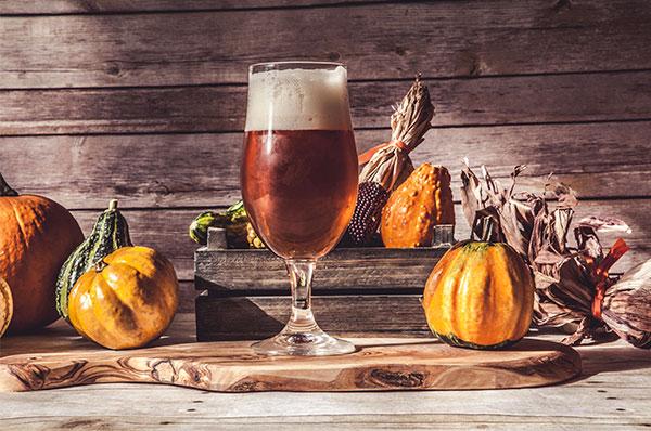 Halloween Bier.Halloweenbier Gruselige Und Lustige Biere Kaufen Der