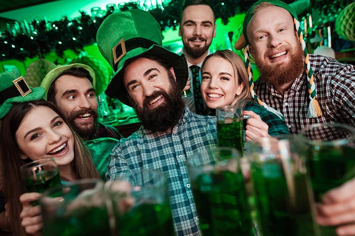 Spass mit Bier am St. Patrick's Day
